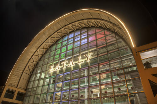 Illuminazione facciata Eataly realizzata da Lighting Door