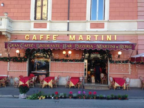 Decorazione facciata Caffè Martini